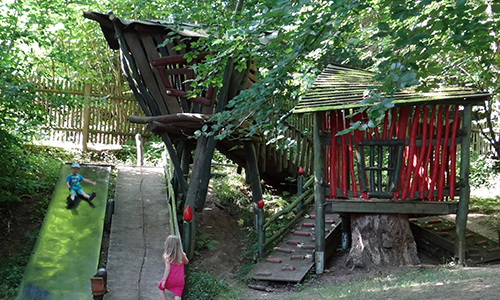 Baumhaus im Garten